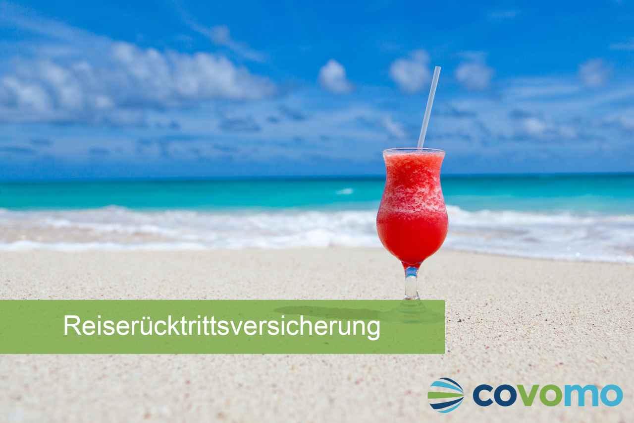 Cocktail am Strand. Abschlussfrist der Reiserücktrittsversicherung.
